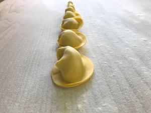 Ravioli con castagne, pecorino e rosmarino